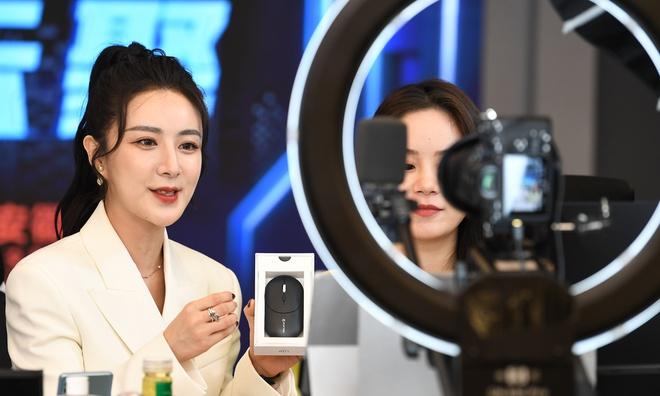 'Nữ hoàng livestream' Trung Quốc quảng cáo sai sự thật
